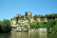 Beynac et Cazenac depuis une gabarre sur la Dordogne