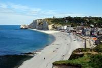 Falaise d'Etretat (falaise d'amont) et la plage