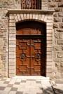 Une porte de la cathédrale de Fréjus